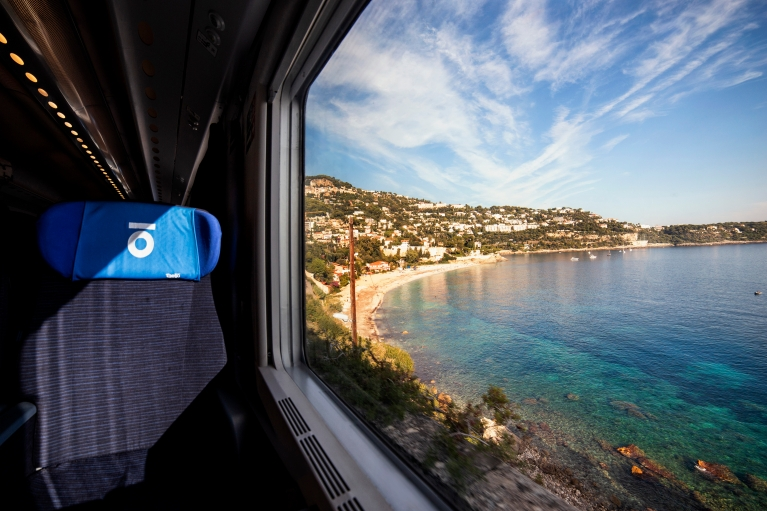 Thello day train view on sea