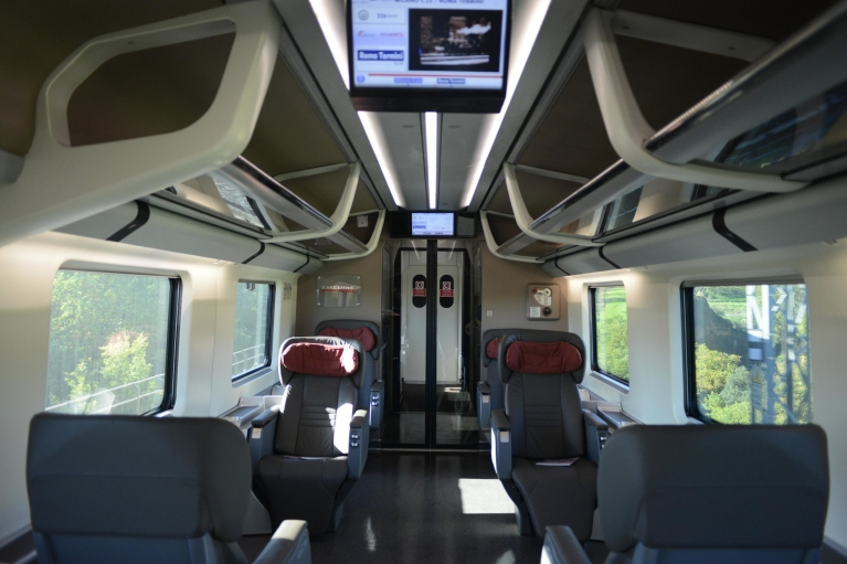 Interior of Le Frecce train 1st class.1