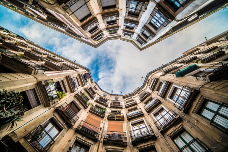 barcelona look up
