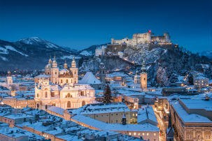 City Cards | Classic view of the historic city of Salzburg in winter