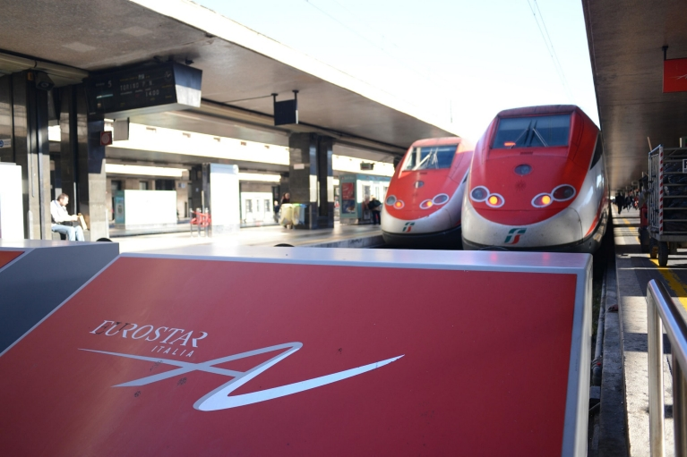 Le Frecce trains at platform