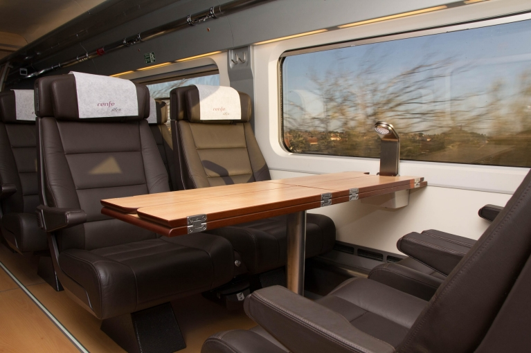 First class seats in the Renfe-SNCF train