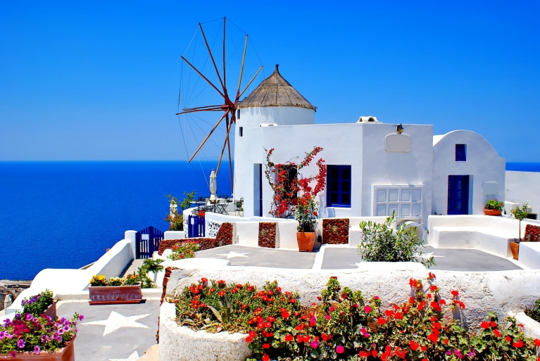 windmill_on_santorini_island_greece