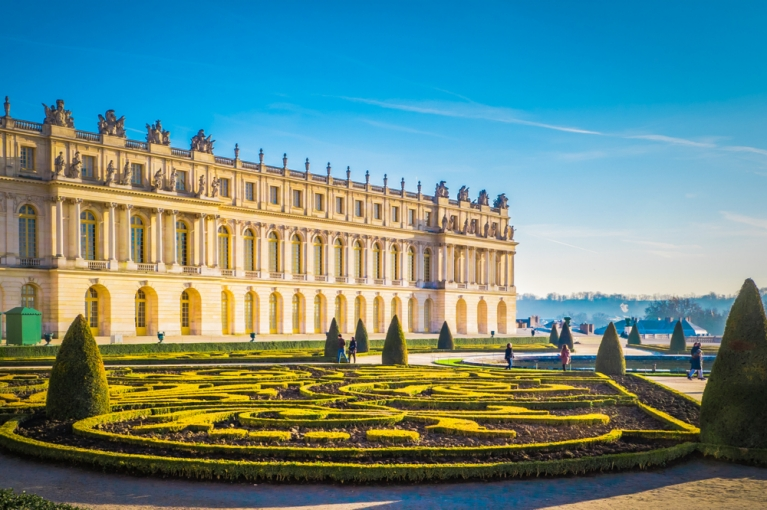 france-paris-versailles-gardens-palace