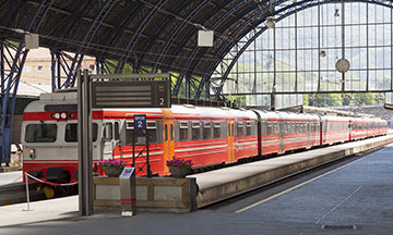 norway-bergen-train-in-station