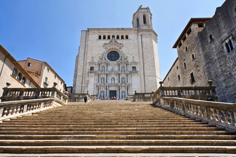 spain-girona-cathedral-stairs